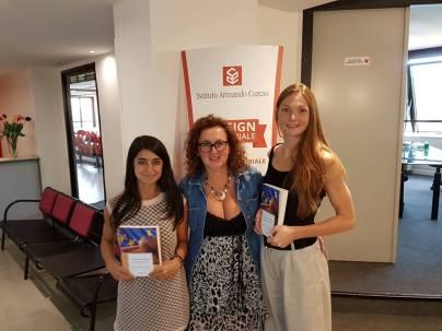 Con le due interpreti Giulia Gentili e Arianna Lombardi