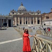 In un'insolita piazza San Pietro, appena riaperta